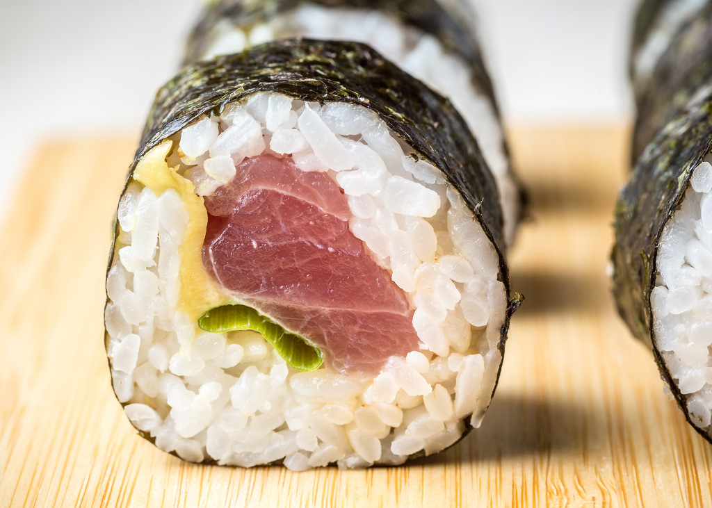 feisty tuna roll
